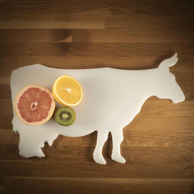 Leikkuulauta valkoinen lehma